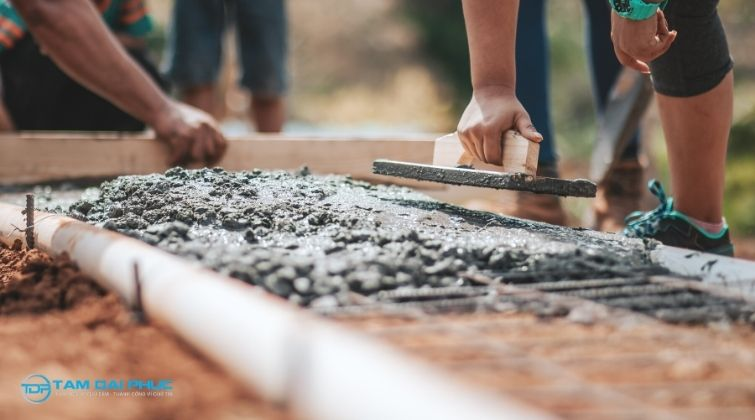 Dịch vụ trộn đổ bê tông tay thủ công